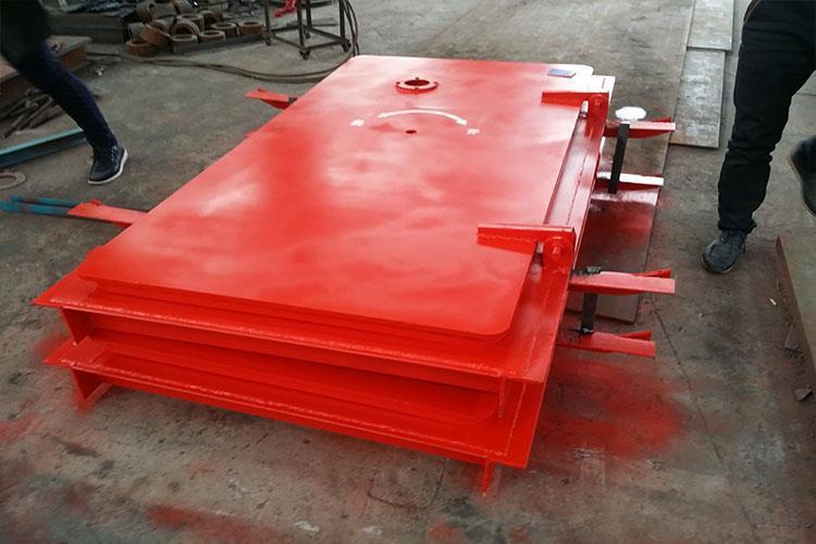斜风井防爆门采用特种工业钢板按照严格设置的力学数据制作