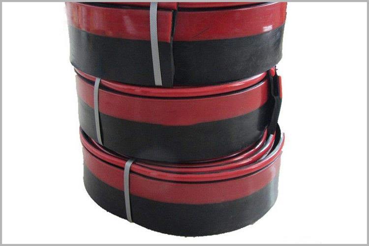 防溢裙板主要用于输送带与导料槽之间密封和betvictor1946床与导料槽之间的密封